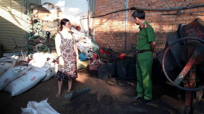 Bộ NN-PTNT thông tin về kết quả xác minh vụ nhuộm phế phẩm cà phê, sỏi đá bằng bột pin - Ảnh 3.