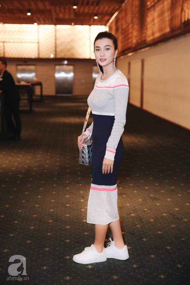 Gái 3 con Jennifer Phạm xinh như công chúa khi được chồng tháp tùng đi sự kiện - Ảnh 6.