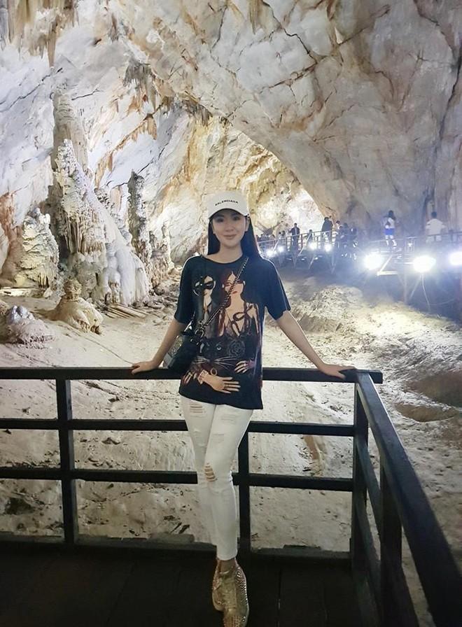 Cứ nói mãi về Ngọc Trinh hay Hà Hồ, ai ngờ showbiz Việt còn có người đẹp này cũng là tay chơi hàng hiệu đáng gờm - Ảnh 14.
