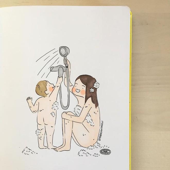Bộ tranh phản ánh cuộc sống khi ở nhà chăm con của bà mẹ trẻ và nhóc tỳ 2 tuổi - Ảnh 21.