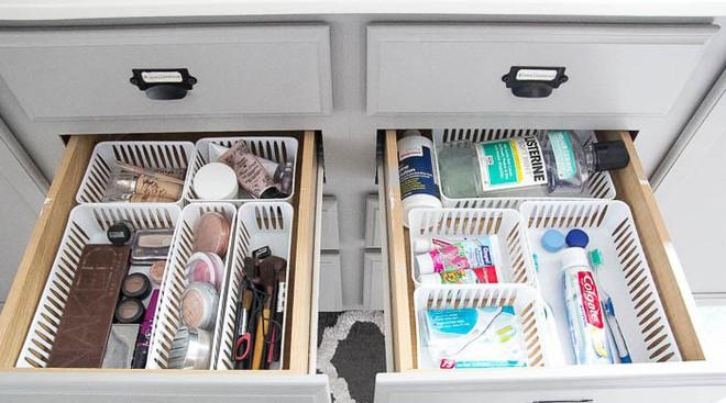9 mẹo sắp xếp đồ đạc cực đơn giản này sẽ giúp phòng tắm nhà bạn gọn gàng, ngăn nắp trong vòng một nốt nhạc - Ảnh 8.