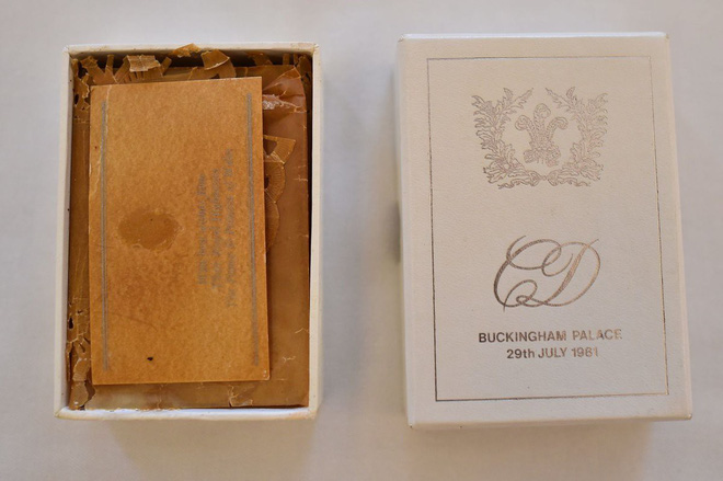 Nhiều năm trôi qua, bánh cưới từ 5 đám cưới Hoàng gia Anh sắp được đem ra đấu giá, bạn sẽ bất ngờ với giá trị thật của 1 miếng bánh - Ảnh 5.