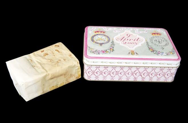 Nhiều năm trôi qua, bánh cưới từ 5 đám cưới Hoàng gia Anh sắp được đem ra đấu giá, bạn sẽ bất ngờ với giá trị thật của 1 miếng bánh - Ảnh 4.