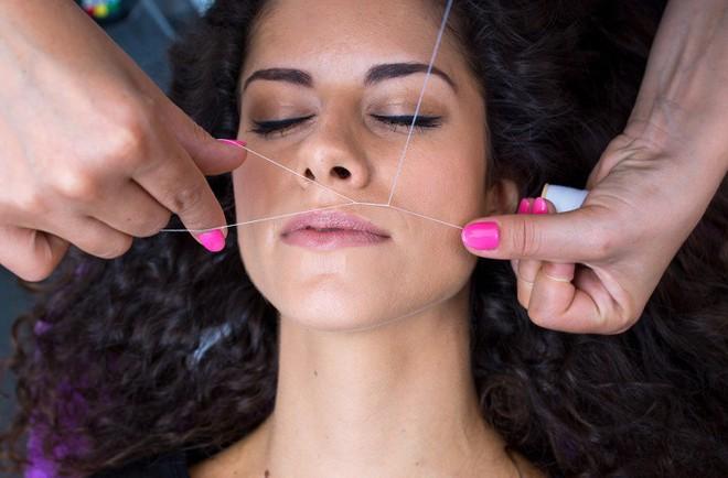 12 dấu hiệu trên khuôn mặt tiết lộ tình trạng sức khỏe của bạn - Ảnh 3.