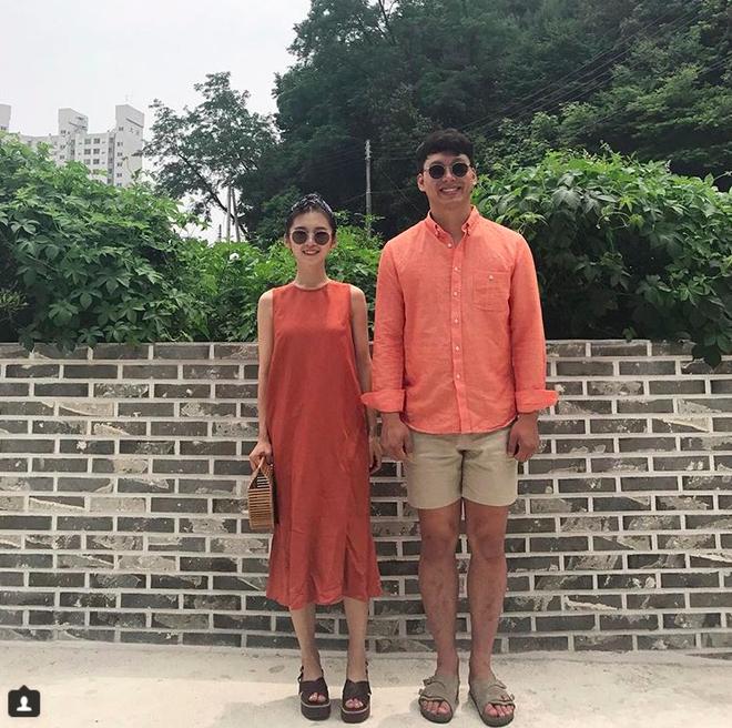 Gặp gỡ cặp đôi Hàn Quốc này để thêm ý tưởng diện đồ đôi cùng nửa kia - Ảnh 4.