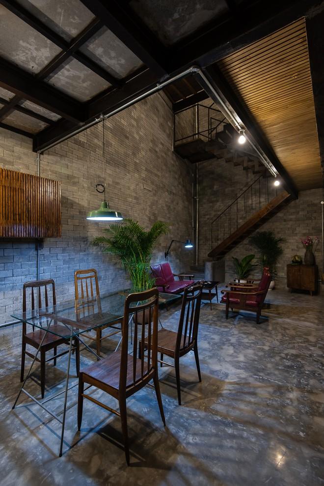Ngôi nhà trong hẻm nhỏ chỉ bước chân về đã thấy mỏi mệt dừng nơi cánh cửa ở Sài Gòn - Ảnh 11.