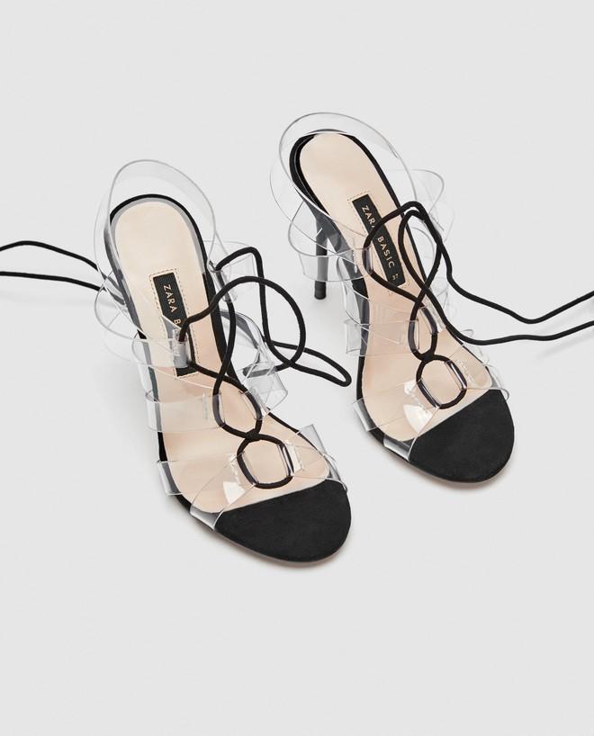 4 kiểu sandals hè vừa thoáng chân lại vừa giúp bạn khắc phục nhiều nhược điểm - Ảnh 5.