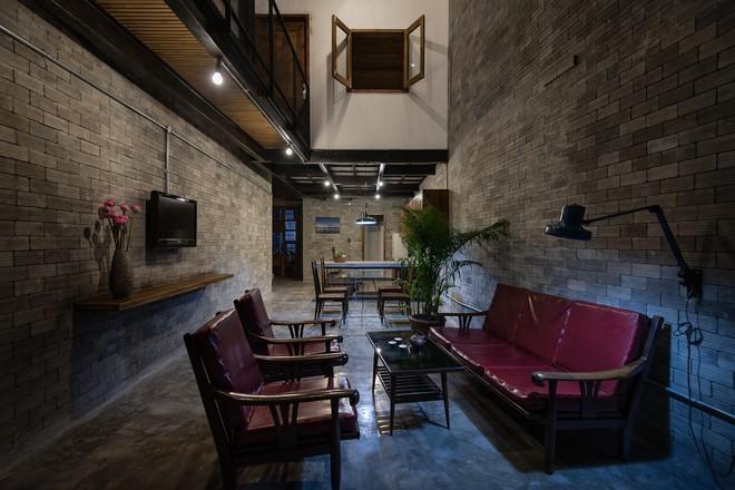 Ngôi nhà trong hẻm nhỏ chỉ bước chân về đã thấy mỏi mệt dừng nơi cánh cửa ở Sài Gòn - Ảnh 5.