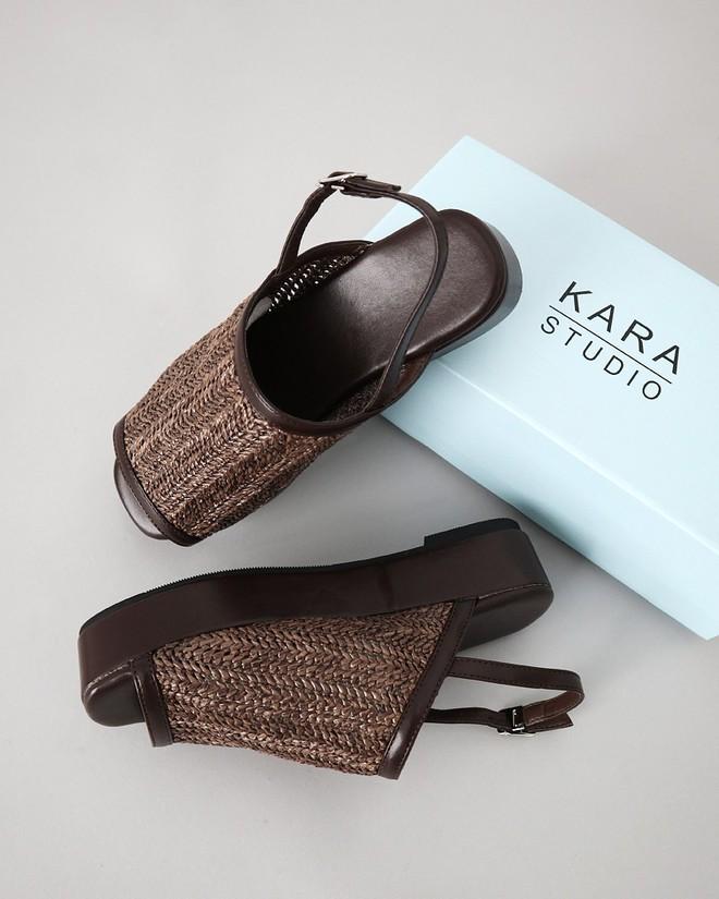 4 kiểu sandals hè vừa thoáng chân lại vừa giúp bạn khắc phục nhiều nhược điểm - Ảnh 14.