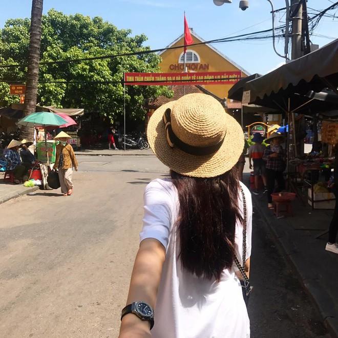 Học sao Việt cách chọn và kết hợp mũ cói sao cho thật duyên dáng khi diện cùng trang phục hè - Ảnh 6.
