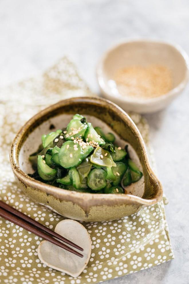 Học người Nhật làm salad dưa chuột ngon ngỡ ngàng - Ảnh 7.