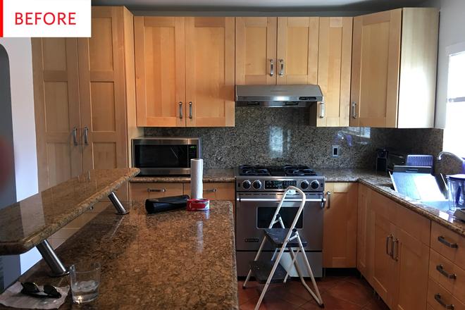 Ngắm phòng bếp này, bạn sẽ phải thừa nhận chọn đúng màu sắc sẽ tạo nên sự kỳ diệu - Ảnh 1.