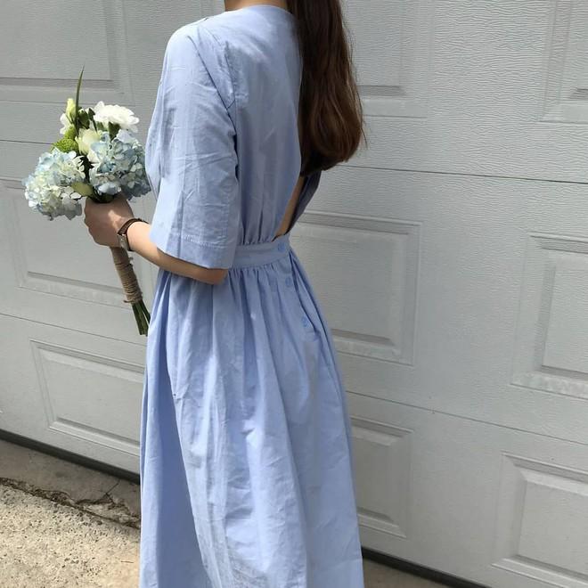 Nữ tính điệu đà mà vẫn sexy hết nấc, hèn gì váy vải hở lưng được con gái Hàn thi nhau diện hè này - Ảnh 9.