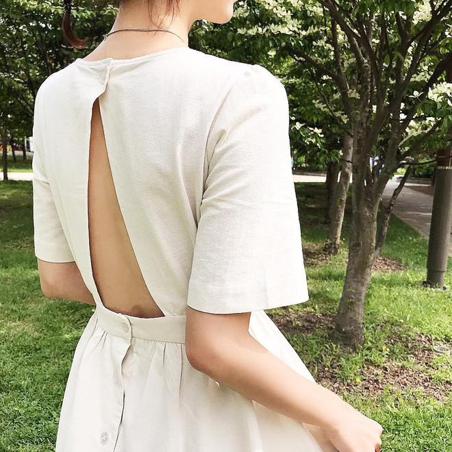 Nữ tính điệu đà mà vẫn sexy hết nấc, hèn gì váy vải hở lưng được con gái Hàn thi nhau diện hè này - Ảnh 5.