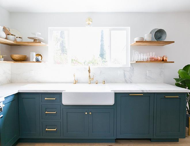 Ngắm phòng bếp này, bạn sẽ phải thừa nhận chọn đúng màu sắc sẽ tạo nên sự kỳ diệu - Ảnh 5.