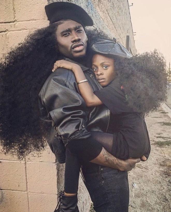 Chùm ảnh: Cặp bố con xác lập kỷ lục thế giới vì bộ tóc bông xù đầy ấn tượng và câu chuyện phía sau khiến mọi người thầm thán phục - Ảnh 11.