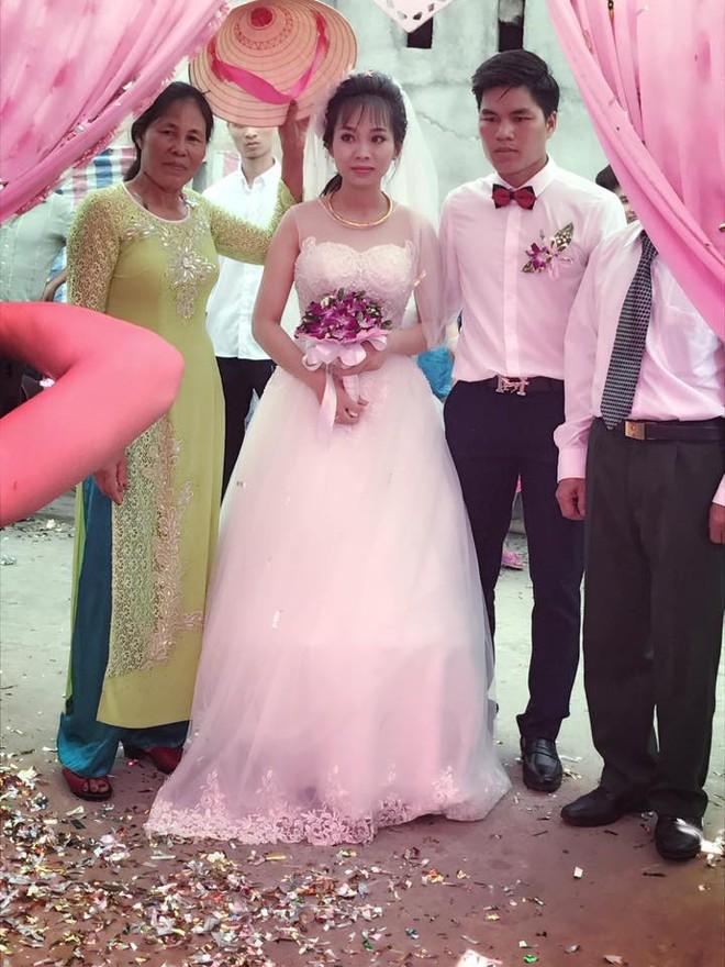 Tiết lộ hậu trường từ đám cưới nổi tiếng Thanh Hóa khách tặng 3 bao tải thóc mừng cô dâu chú rể - Ảnh 5.