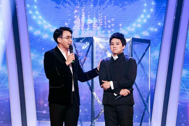 Bị nghi hát nhép ngay trong tập 1 Gương mặt thân quen, Duy Khánh lên tiếng  - Ảnh 7.