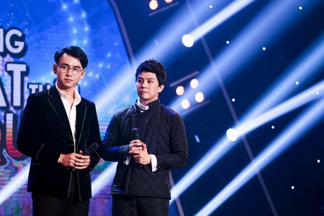 Bị nghi hát nhép ngay trong tập 1 Gương mặt thân quen, Duy Khánh lên tiếng  - Ảnh 8.