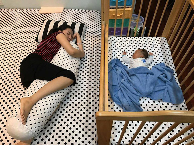 Giúp bé ngủ xuyên đêm từ 5 tuần tuổi không quá khó bằng cách này của mẹ 9x - Ảnh 2.
