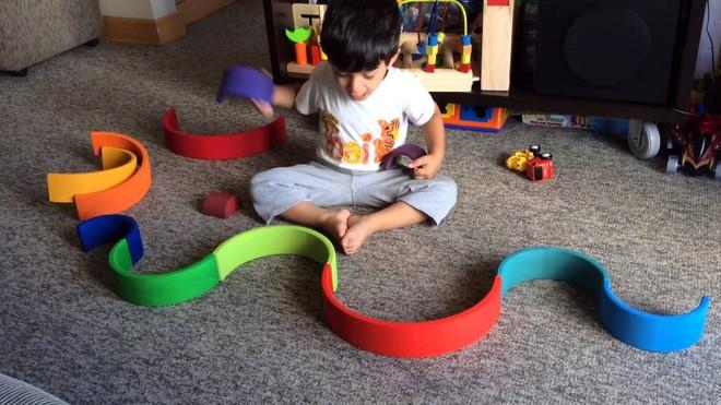 9 món đồ chơi theo phương pháp Montessori giúp trẻ thông minh hơn - Ảnh 5.