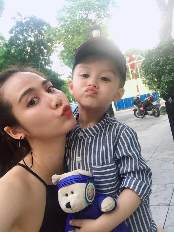 Ghen tị với tổ ấm chồng chiều con ngoan của những hot girl Việt đình đám - Ảnh 25.