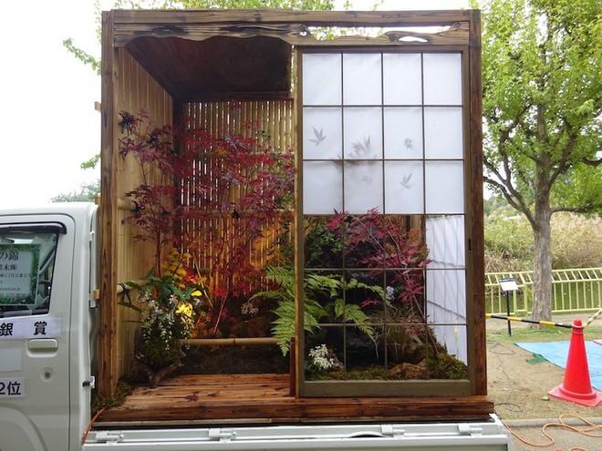 Xe tải cũ hỏng biến thành vườn cây xanh mát đẹp mê li, một lần nữa người Nhật lại khiến thế giới phải choáng váng - Ảnh 2.