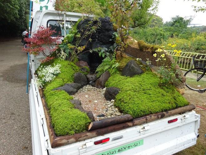 Xe tải cũ hỏng biến thành vườn cây xanh mát đẹp mê li, một lần nữa người Nhật lại khiến thế giới phải choáng váng - Ảnh 3.