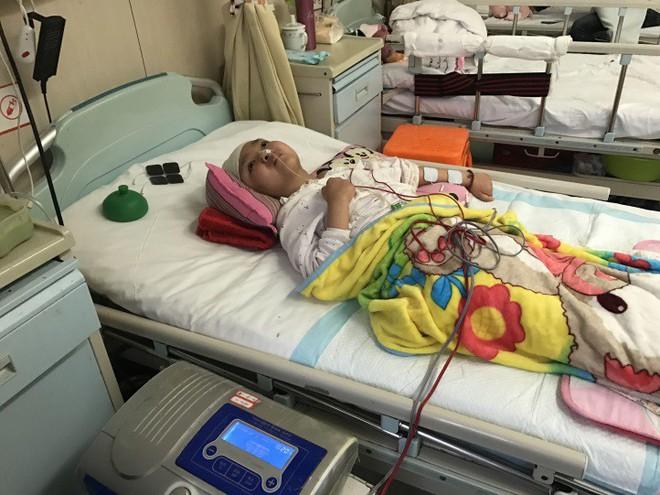Cảm động người mẹ thà phải đối mặt với căn bệnh ung thư vẫn quyết nhường hy vọng sống cho con gái mình - Ảnh 4.