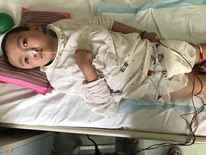 Cảm động người mẹ thà phải đối mặt với căn bệnh ung thư vẫn quyết nhường hy vọng sống cho con gái mình - Ảnh 8.