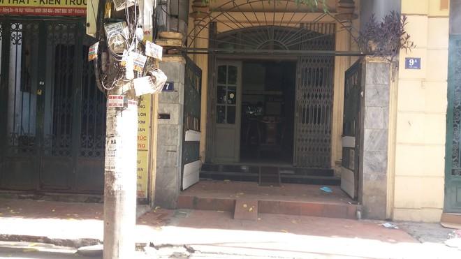 Hà Nội: Mẹ già đi vắng trở về nhà tá hỏa phát hiện con trai đột tử trong nhà tắm - Ảnh 5.