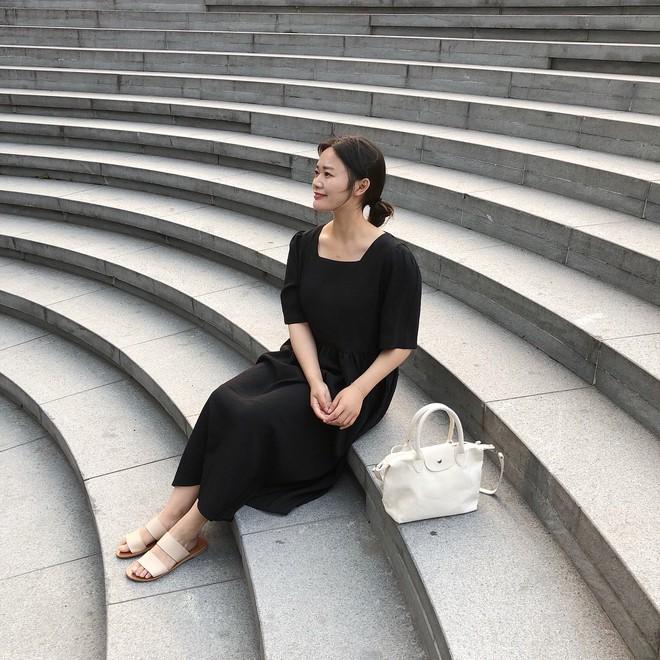 Chính ra càng diện đồ đơn giản lại càng đẹp, không tin bạn cứ ngắm loạt street style của các quý cô Châu Á tuần này - Ảnh 11.