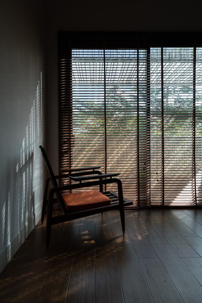 Ngôi nhà hướng Tây nhưng không bao giờ sợ nắng nóng của gia đình 3 thế hệ ở Nha Trang - ảnh 15
