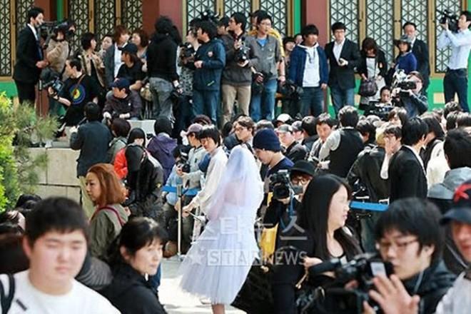 Những đám cưới có dàn khách mời khủng nhất xứ Hàn: Toàn minh tinh, Song Song không đọ được với Jang Dong Gun? - Ảnh 11.