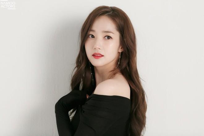 Ảnh hậu trường đẹp khó tin của đệ nhất dao kéo Park Min Young: Đẳng cấp còn hơn cả thần tiên tỉ tỉ - ảnh 12