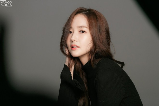 Ảnh hậu trường đẹp khó tin của đệ nhất dao kéo Park Min Young: Đẳng cấp còn hơn cả thần tiên tỉ tỉ - ảnh 14