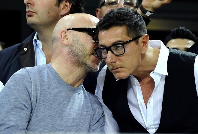 NTK của Dolce&Gabbana tỏ ý chê Kate Moss mặc xấu, giới mộ điệu lập tức chỉ trích: GATO! - Ảnh 4.