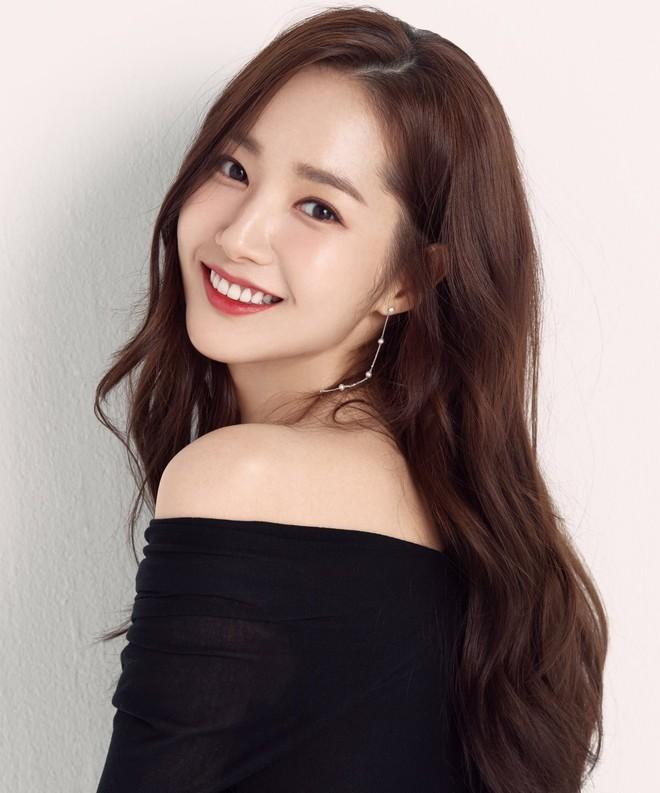 Ảnh hậu trường đẹp khó tin của đệ nhất dao kéo Park Min Young: Đẳng cấp còn hơn cả thần tiên tỉ tỉ - ảnh 8