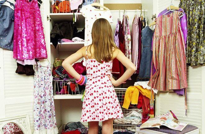 Đã tìm ra nguyên nhân cho câu than thở muôn thuở của chị em mỗi khi mở tủ quần áo mình chẳng có cái gì để mặc - ảnh 1
