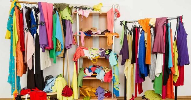 Đã tìm ra nguyên nhân cho câu than thở muôn thuở của chị em mỗi khi mở tủ quần áo mình chẳng có cái gì để mặc - Ảnh 4.