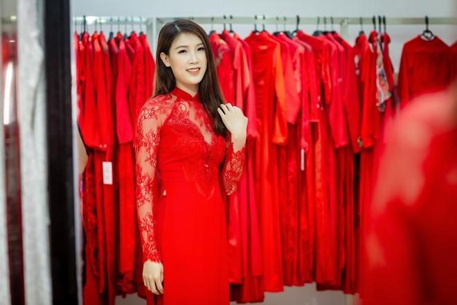 Ông xã điển trai của Hoa hậu Phí Thùy Linh đích thân tháp tùng vợ - Ảnh 7.