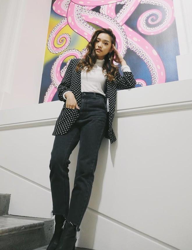 """Mặc đẹp từ đồ công sở tới trang phục """"ngầu"""", ai ngờ nàng blogger với hàng triệu người hâm mộ này chỉ cao 1m55 - Ảnh 7."""