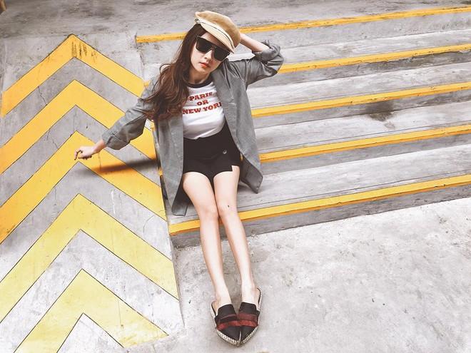 Chỉ với áo phông kẻ và quần jeans, một mình Hà Tăng cân cả street style sao Việt tuần này - Ảnh 6.