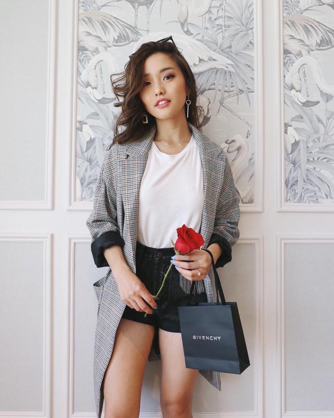 """Mặc đẹp từ đồ công sở tới trang phục """"ngầu"""", ai ngờ nàng blogger với hàng triệu người hâm mộ này chỉ cao 1m55 - Ảnh 11."""