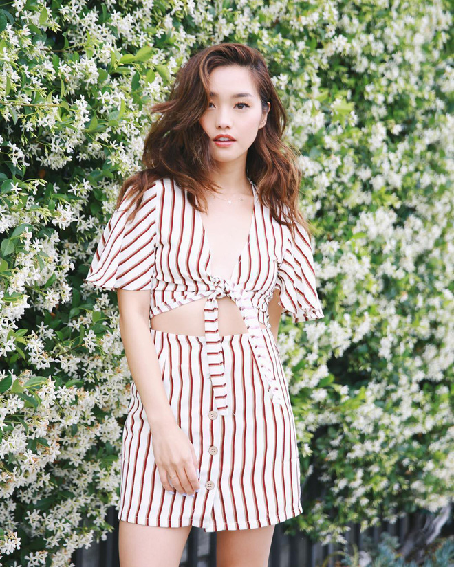 """Mặc đẹp từ đồ công sở tới trang phục """"ngầu"""", ai ngờ nàng blogger với hàng triệu người hâm mộ này chỉ cao 1m55 - Ảnh 16."""