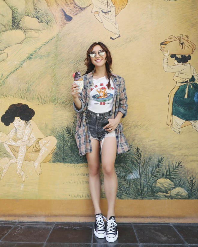 """Mặc đẹp từ đồ công sở tới trang phục """"ngầu"""", ai ngờ nàng blogger với hàng triệu người hâm mộ này chỉ cao 1m55 - Ảnh 12."""