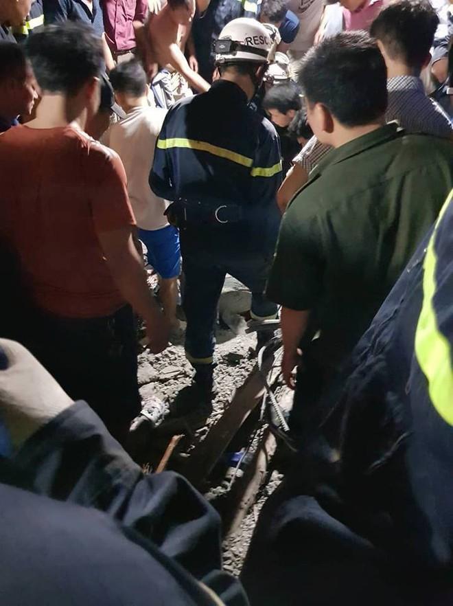 Hà Nội: Sập nhà đang xây dựng khiến 4 người thương vong - Ảnh 2.