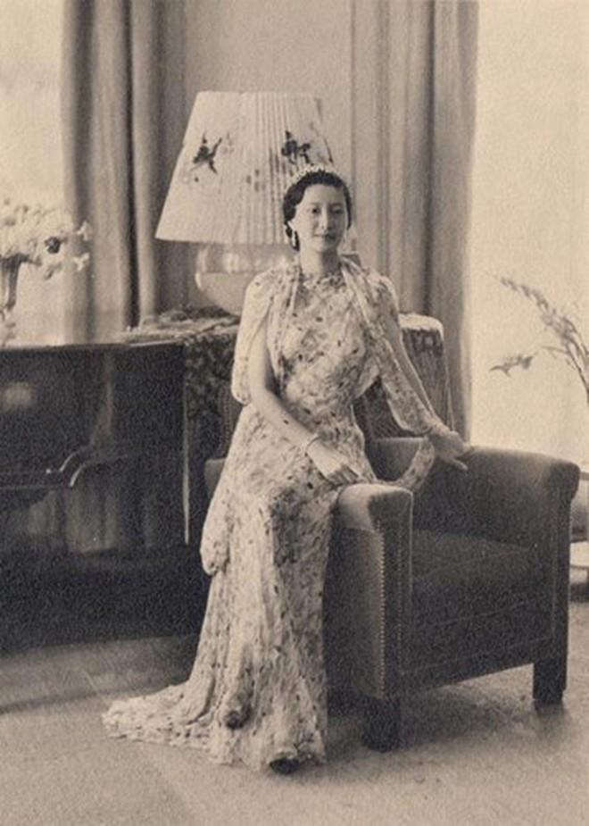 Bức thư gửi bồ nhí của chồng và cách ghen đầy kiêu hãnh của Nam Phương Hoàng hậu - Ảnh 7.