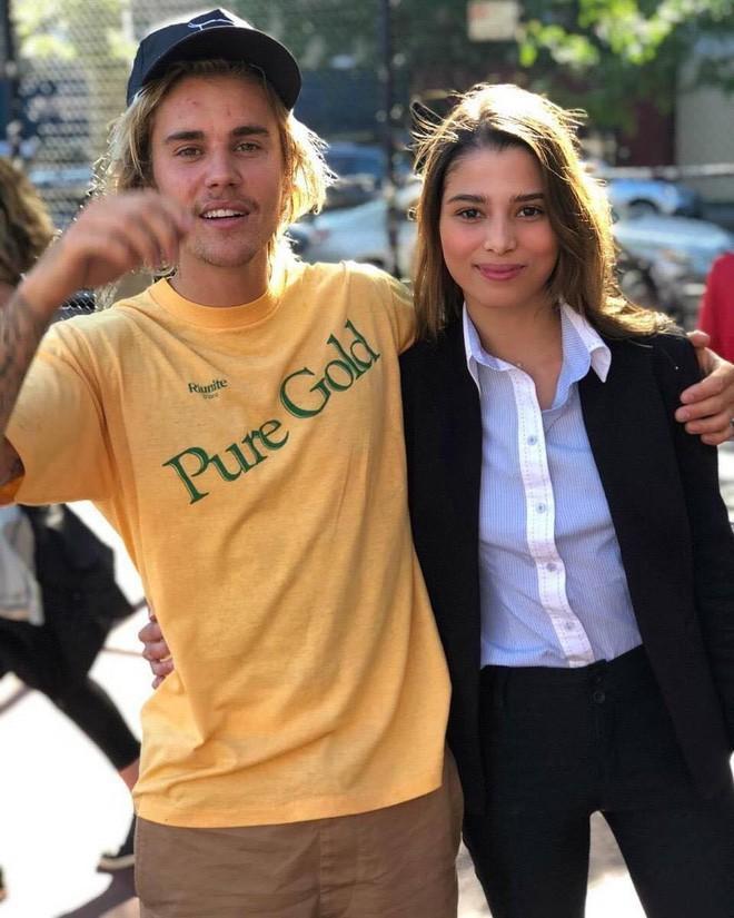 Justin Bieber chụp ảnh với fan nhưng không biết ai là fan, ai là idol nữa? - ảnh 8