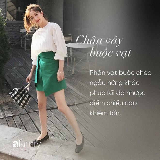 Dù cao ráo hay thấp bé chỉ cần chọn đúng dáng chân váy phù hợp thì chân ai cũng như dài miên man cả tấc - Ảnh 3.